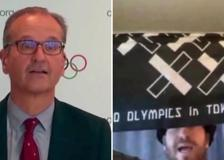Olimpiadi Tokyo, il finto giornalista protesta alla conferenza stampa