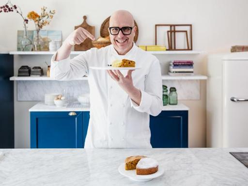 La ricetta della torta alla nocciola con gelato e zabaione di Paolo Brunelli