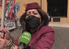 Air Italy, a Montecitorio la protesta dei lavoratori: «Subito un tavolo con Giorgetti»