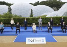 G7, la regina Elisabetta si unisce ai leader per il ricevimento serale