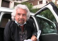 Roma, Beppe Grillo arriva all'ambasciata cinese senza Giuseppe Conte