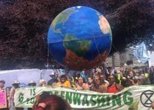 G7, in Cornovaglia sfilano gli ambientalisti