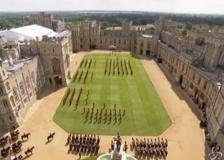 La Regina festeggia il compleanno, a Windsor la cerimonia che sostituisce la tradizionale parata