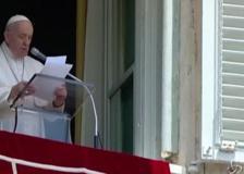 Migranti, Papa Francesco: «Il Mediterraneo è il più grande cimitero d'Europa»