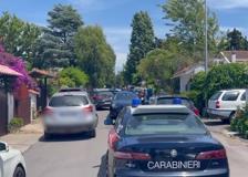 Roma, spari in strada ad Ardea: morti un anziano e due bambini