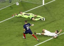 Europei, Francia-Germania 1-0: l'autogol di Hummels fa sognare i francesi: i gol e le azioni