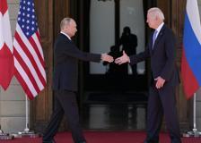 La stretta di mano tra Biden e Putin dà il via al summit di Ginevra