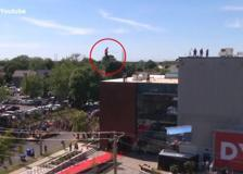 Usa, l'acrobazia dell'equilibrista Nik Wallenda a Buffalo City