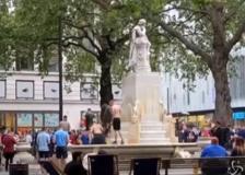 Euro 2020: tifosi scozzesi invadono Londra, il tuffo nella fontana a Leicester Square