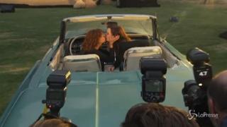 «Thelma & Louise» compie 30 anni, Susan Sarandon e Geena Davis di nuovo su una cabrio