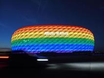 Europei: lo stadio di Monaco con i colori arcobaleno per la partita Germania-Ungheria