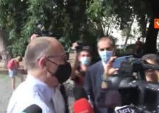 Enrico Letta vota alle primarie del Pd di Roma a Testaccio