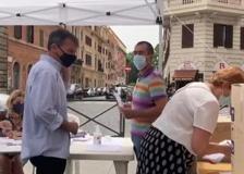 Stefano Fassina vota alle primarie del Pd a Roma