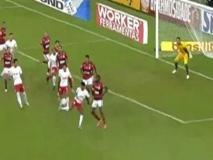 Tacco al volo di spalle: il gol è un capolavoro