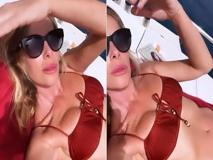 Alessia Marcuzzi, sole e relax in bikini sulla barca