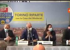 La battuta di Berlusconi sul candidato sindaco: «Dopo Damilano a Torino, stiamo cercando Datorino a Milano...»