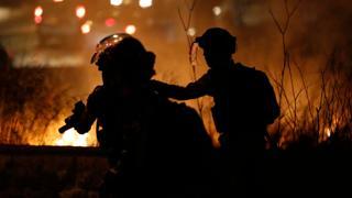 Alta tensione a Gerusalemme: scontri tra palestinesi e ebrei a Sheikh Jarrah, il quartiere delle case contese