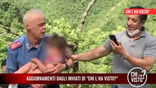 Nicola Tanturli, il momento in cui il bimbo viene portato in salvo dai carabinieri