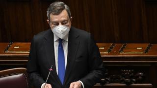 Draghi in Senato: «Ho incontrato Napolitano, vi saluta tutti » e scatta la standing ovation