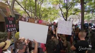 Los Angeles, decine di fan di Britney Spears fuori dal tribunale