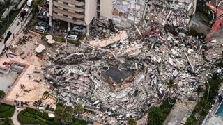 Crollo palazzo Miami: le immagini aeree del disastro
