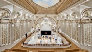 Apple a teatro: il negozio della Mela più bello di Los Angeles