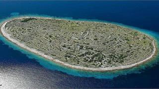 In Croazia c'è un'isola che (dall'alto) somiglia a un'impronta digitale