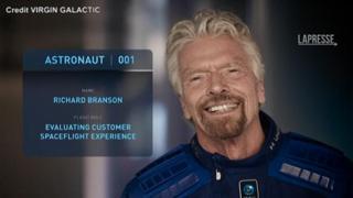 Virgin Galactic: Branson batte Bezos, andrà nello spazio l'11 luglio