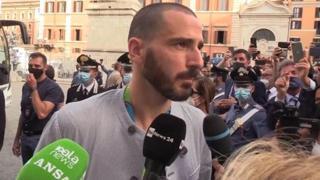 Bonucci e la festa sul bus scoperto: «Abbiamo vinto la trattativa, lo dovevamo ai tifosi»