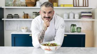 I mezzi paccheri al ragù di moscardini dello chef Roberto Di Pinto