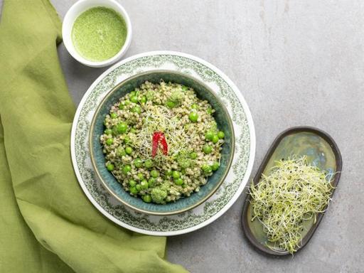 La ricetta dell'insalata di grano saraceno con salsa alla rucola