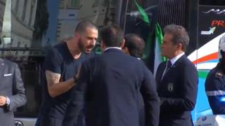Bonucci e la festa della Nazionale sul bus: il video della discussione con i responsabili della sicurezza
