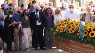 Funerali di Libero De Rienzo, le immagini dell'ultimo saluto a Paternopoli