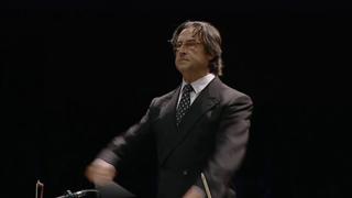 Riccardo Muti sul podio dirige Beethoven