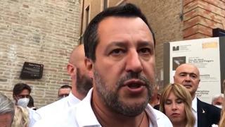 Salvini si vaccina a Milano: «Non sono pro o no-Vax, sono per la libertà»