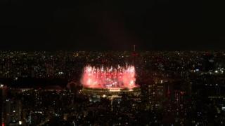 Tokyo 2020, i fuochi d'artificio aprono la cerimonia inaugurale