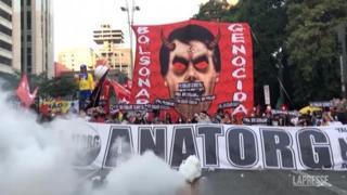 Brasile, a San Paolo migliaia di persone in piazza contro Bolsonaro