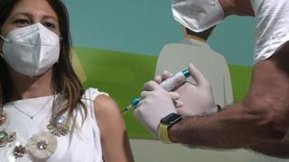A Messina primo vaccino iniettato con una siringa senza ago in Europa