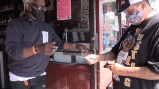 Usa, a San Francisco bar e ristoranti chiedono il vaccino ai clienti per entrare
