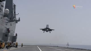 Marina Militare, la portaerei Cavour ha ricevuto il primo aereo caccia F35B