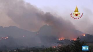 Palermo, vigili del fuoco al lavoro tutta la notte per spegnere gli incendi tra Piana degli Albanesi e Alto Fonte