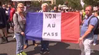 Francia: ancora manifestazioni no «Green Pass» a Parigi, tensioni con la polizia