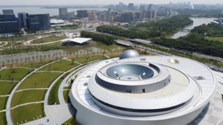 Cina, apre a Shanghai il più grande planetario del mondo