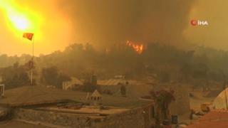Turchia devastata dagli incendi, almeno 8 morti