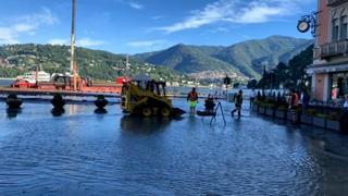 Maltempo, strade allagate lungo le rive del lago di Como