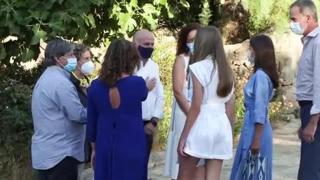 Letizia Ortiz, con le figlie e Felipe visita un parco naturale alle Baleari