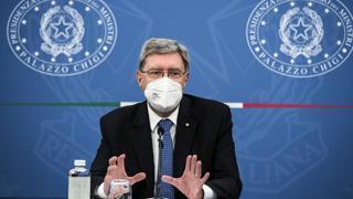Giovannini: «Green pass obbligatorio su mezzi a lunga percorrenza»