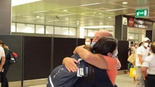 La campionessa di boxe Irma Testa accolta a Fiumicino al suo rientro da Tokyo