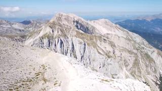 Gran Sasso, il «ghiacciaio» del Calderone ridotto del 65%: «Studiarlo permette di fare previsioni future sul clima»