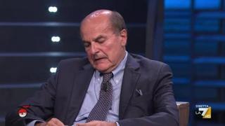 No vax, Bersani: «Molti sono fascisti, forse bisognerebbe applicare la legge Mancino»